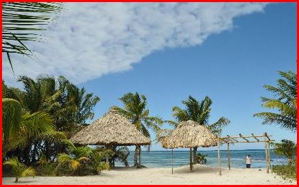 Beach at northern side of Long Caye